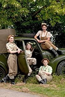 Land Girls 2009 poster