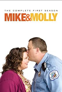 Mike & Molly (2010) cover