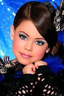 Toddlers and Tiaras 2009 poster