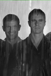 Los simuladores (2002) cover